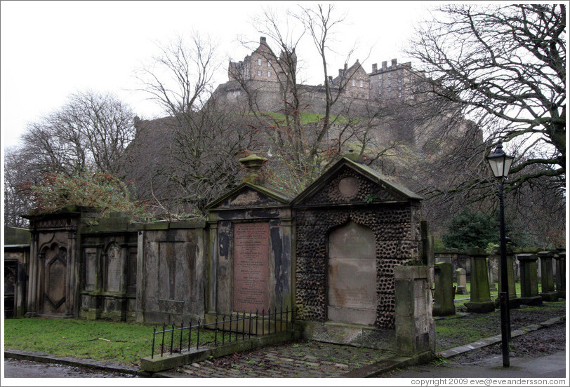 edinburgh-st-cuthberts-kirkyard-view-of-castle-4-large