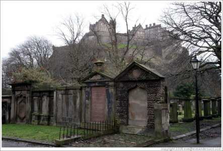 edinburgh-st-cuthberts-kirkyard-view-of-castle-4-large