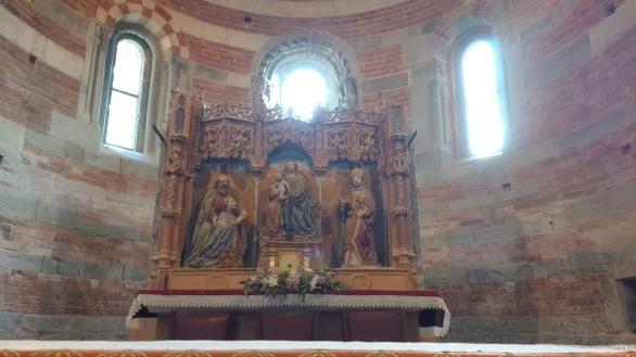 Santa Maria di Vezzolano, altare